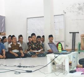 Dr. Sulaeman ketika menyampaikan materi Muslim Physical and Spritual Health