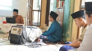 Suasana ketika Ust. Luthfi Rahman menyampaikan materi Fiqih Aulawiyah